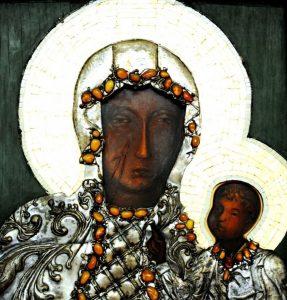 Matka Boża Częstochowska w ołtarzu głównym naszej świątyni (przed koronacją)